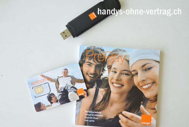 Hier nun ausgepackt: Das Modem, die SIM-Karte und die Orange-Bedienungsanleitung